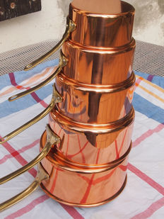 5 tin-lined copper pans