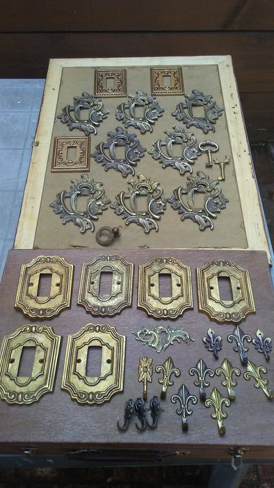 Collection of  Classical style furniture ornaments fitting - 20th Century (33)