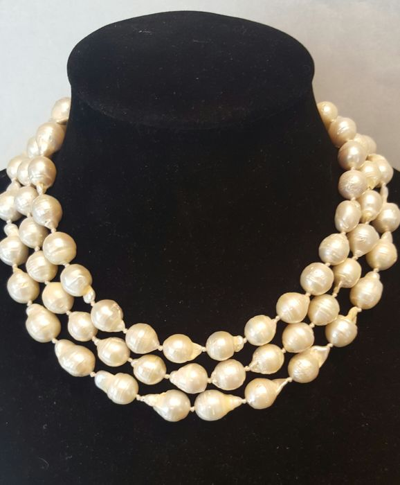 Long necklace of large freshwater cultured pearls - 134 cm - No reserve