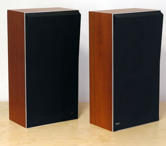 Bang & Olufsen B&O BeoVox S45 type 6302; speakers from the seventies