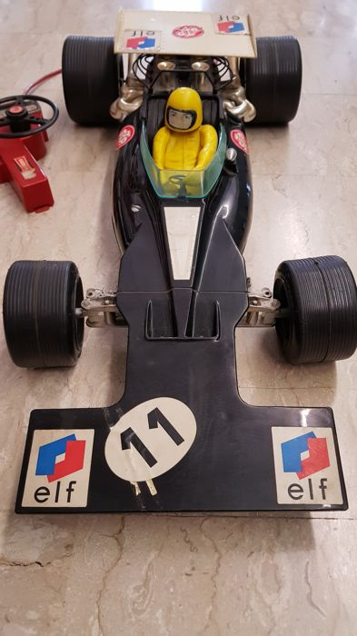 Formula 1 - Tyrell 001 - 75 x 35 cm - not tested