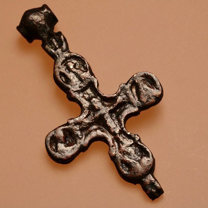 Large medieval bronze reliquary cross (double cross) / pendant with an image of Jesus Christ / 84mm./46mm.