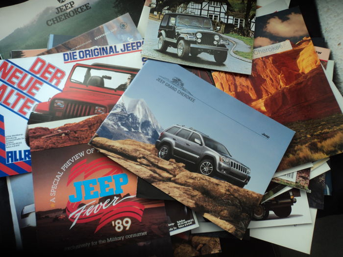 51 x Jeep catalogues and brochures - Jeep Wrangler - Jeep Cherokee - Grand Cherokee, etc. and 3 factory photos