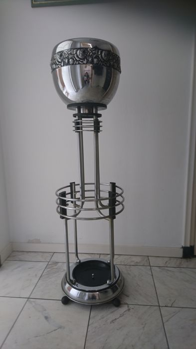 Art deco chrome umbrella stand with jardini re catawiki for Stand expo deco