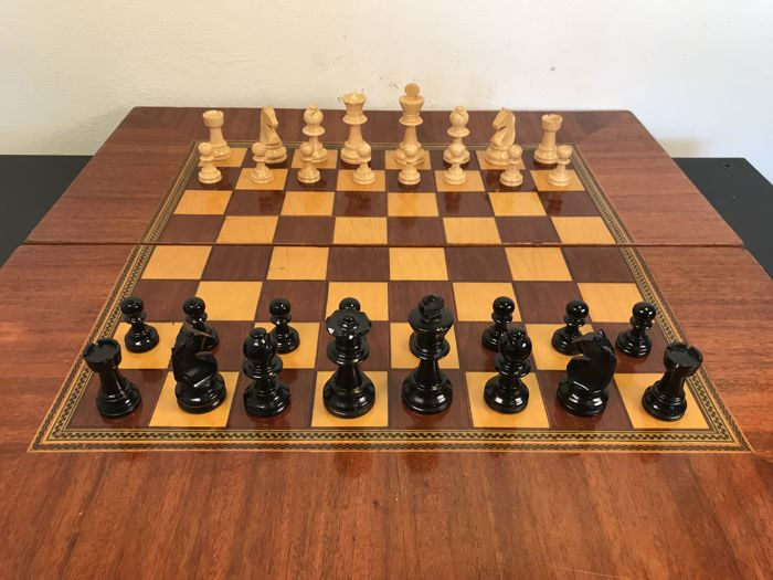 Highest quality wooden handmade chess set in processed and inlaid chess box - mid 20th century