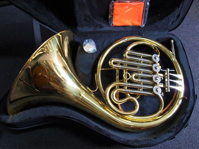New French horn, Bb, 4 cylinders, with case