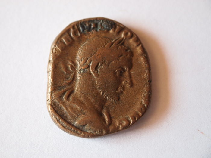 Roman Empire - Sestertius Emperor Volusianus (251-253 A.D.) mint of Rome