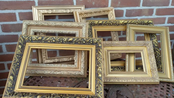 Lot with 7 hand-gilded painting frames