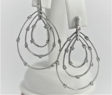 Dangle earrings, made in Italy, in 18 kt white gold - Diamonds totalling 0.32 ct - Weight 8.7 g