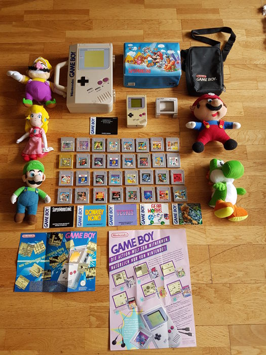 Nintendo Game Boy , with  games and accessory
