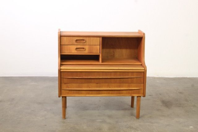 Unknown producer - Small wooden secretary or sideboard
