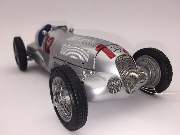 CMC - Scale 1/18 - Mercedes Benz W125 1937 Caracciola no. 12 GP Germany