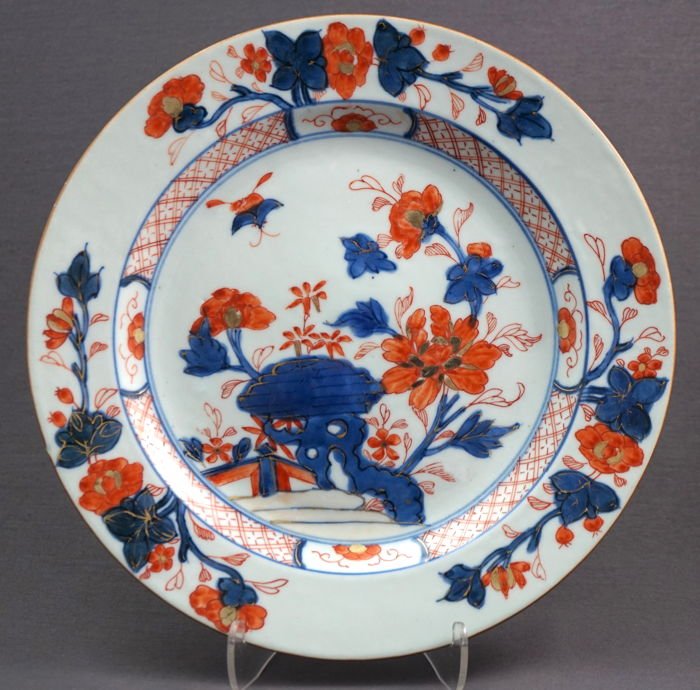 Large Chinese porcelain Imari plate with decor of flower branch on rock - China - 18th & Large Chinese porcelain Imari plate with decor of flower branch on ...