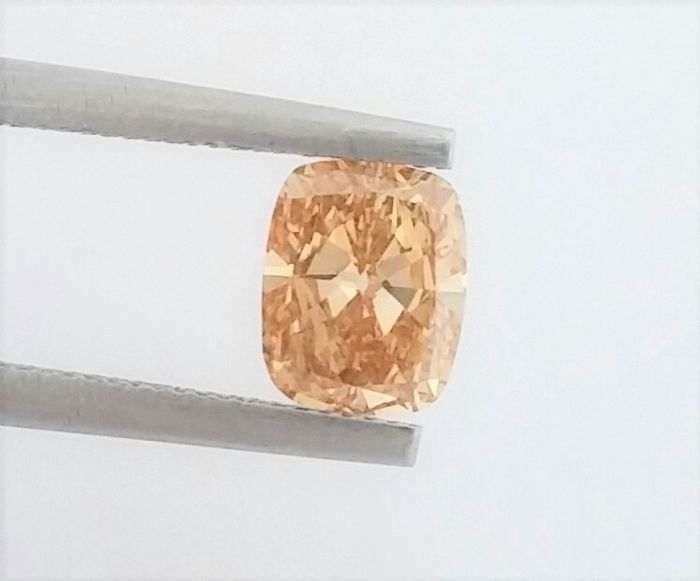 GIA -  0.90 ct - Cushion Modified Brilliant - SI1 - Natural Diamond Fancy Brownish  Yellowish Orange , Even