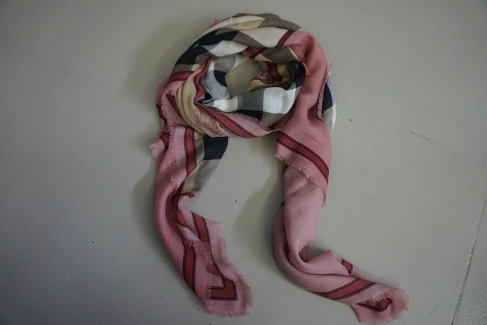 Burberry - Wrap - Limited Edition