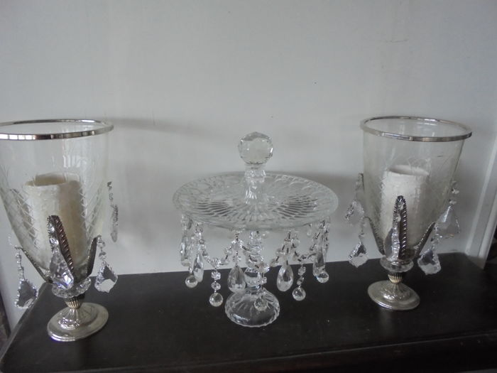 Tealight holder set with crystals and crystal bowl with foot with crystals