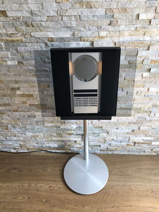 Bang and Olufsen- Beosound 3200 with Wifi + Rare Original Bang and Olufsen Stand