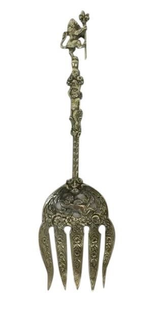 Italian richly decorated meat fork crowned with a lion - Rossi - Italy - Mid 20th century