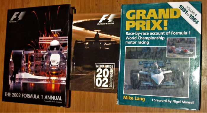 Formule 1 Grand Prix books, including official yearbook + media guide 2002