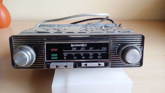 Autovox car radio series Ra 2011 year 1967 vintage
