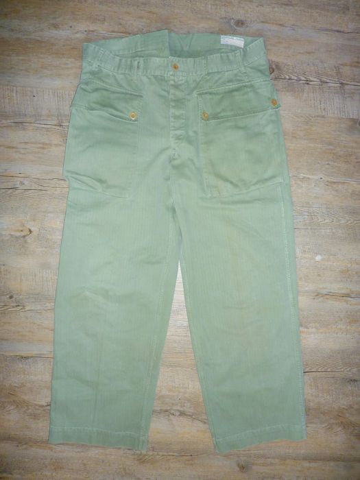 Marine Corps  Complete dungaree / field uniform, with leggings