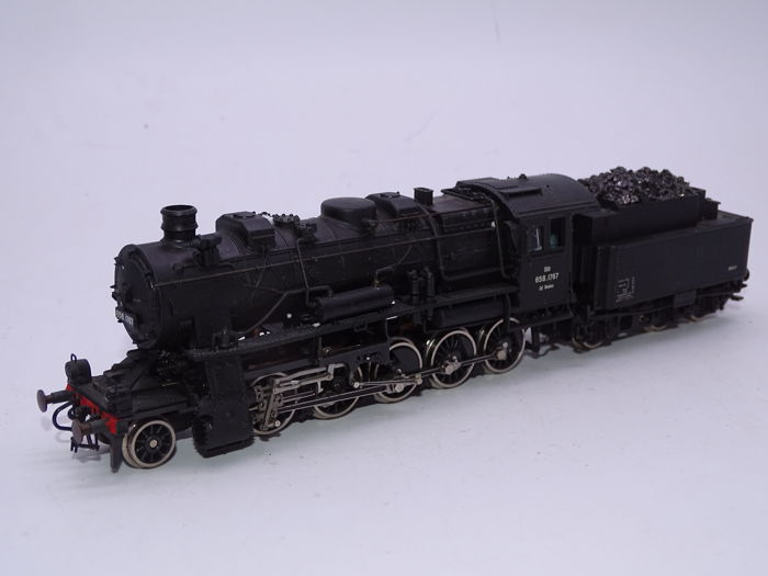 Roco H0 - 04112B - Steam locomotive with tender - BR658, weathered - ÖBB