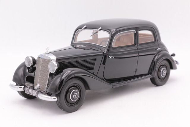 Bos Models  - Schaal 1/18 - Mercedes-Benz 170V - Limited Edition - Color Black