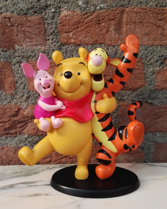 Walt Disney - Statue - Pooh and friends (ca. 1980)