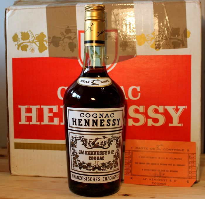 JAs. Hennessy & Co. Bras Armé Cognac and original Box for 6 bottles, bottled 1973, 0,7L, 40%vol.