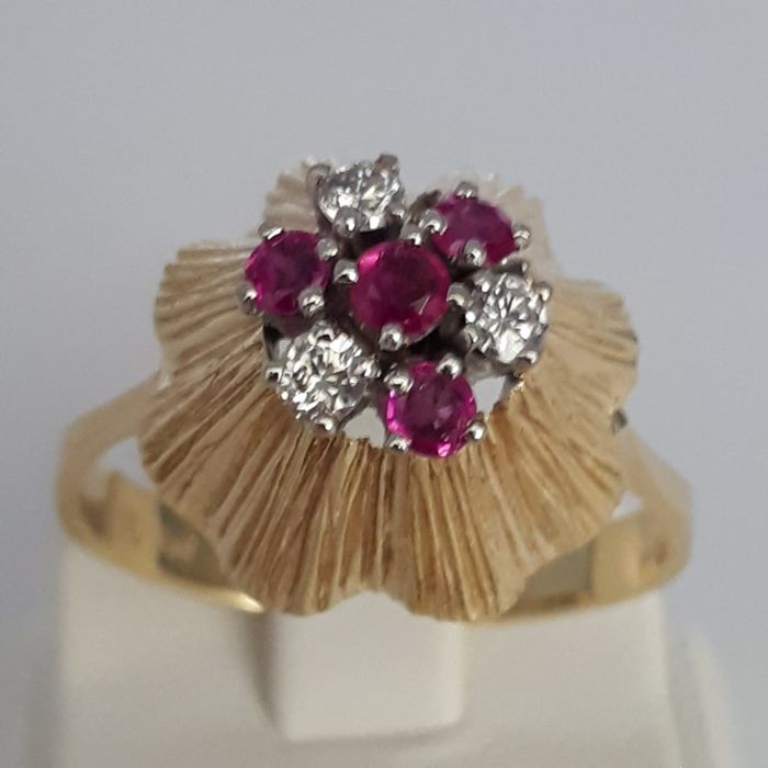 Vintage Diamond Ring With Rubies, 14 ct Yellow Gold