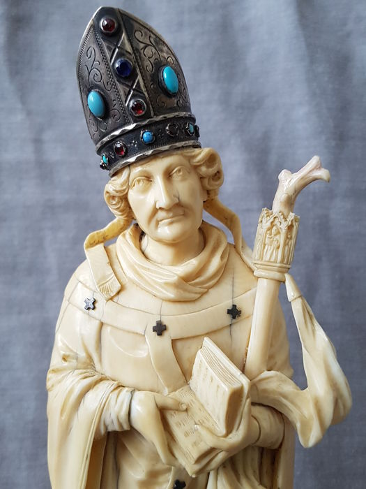 A large carved ivory statue of a bishop - France - Dieppe - 19th century