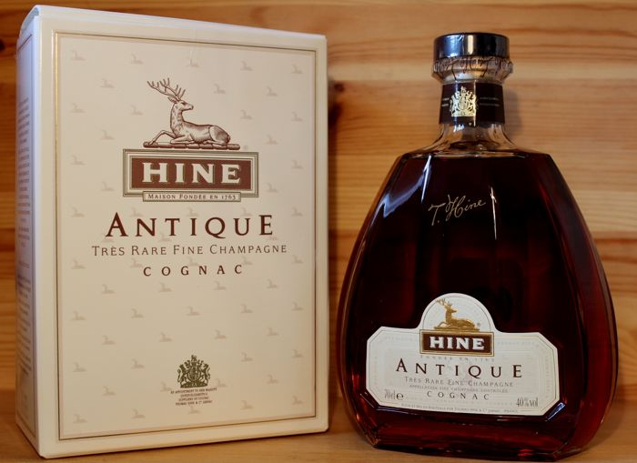 Hine Antique Très Rare Fine Champagne Cognac incl. original box 70cl, 40% vol.