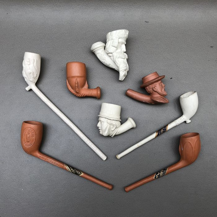 Group of 8 Goedewaagen clay pipes, Holland, 1st quarter 20th century.