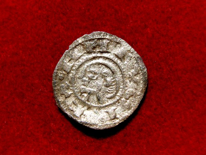 Medieval Spain - Alfonso I (The Battler) of Aragon (1104–1134) Billon dinero (0.85 g 18 mm) struck in the mint of Toledo