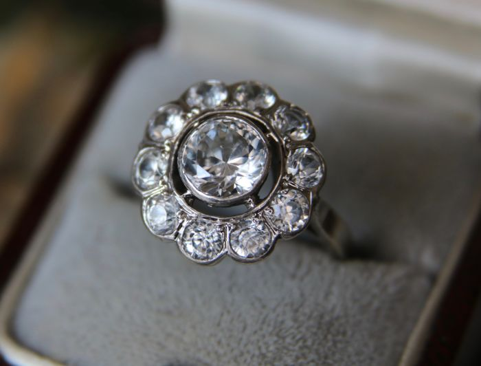 Antique silver ring set with 3,21ct natural White Sapphires in an excellent condition