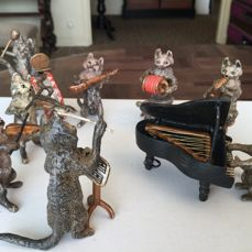Vienna bronze - 8 musician cats - early 20th century
