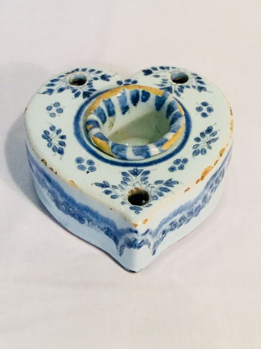 French faience ink set - 18th century - With signs of a hand painted floral motif