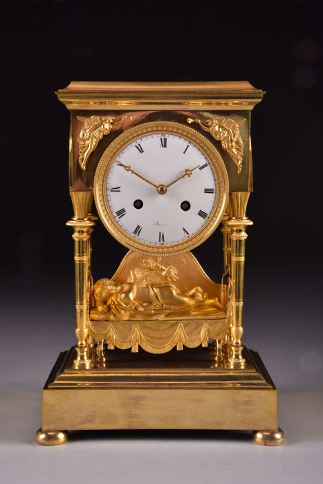 "Spectacular Directoire fire-gilt bronze French pendulum clock ""sleeping cherub"" - France - approx. 1795"