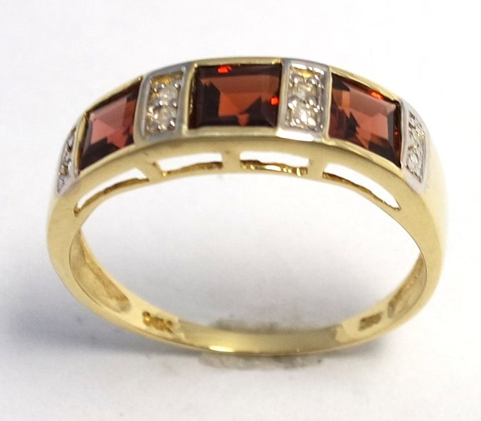 *No Reserve Price* Square Cut Garnet & Diamond 14KT Yellow Gold Ring Size N 1/2