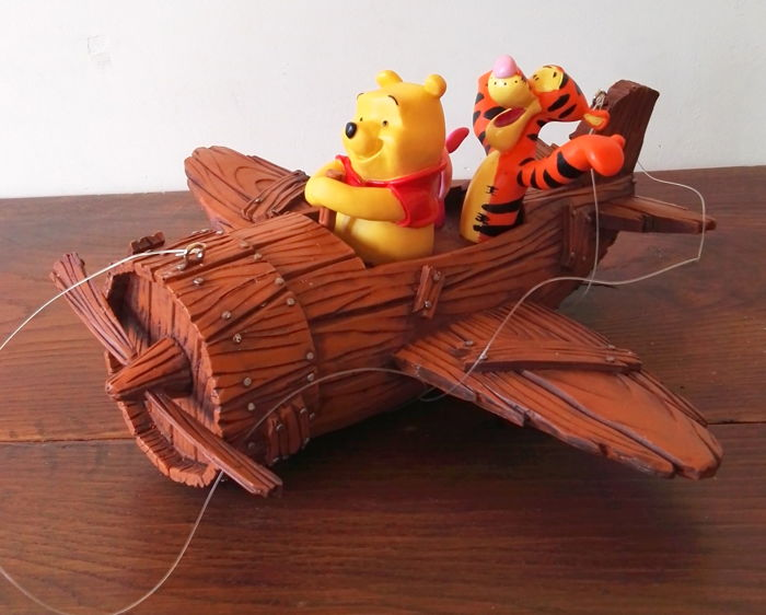 Walt Disney - Statue - Pooh and friends in a plane (ca. 1980)