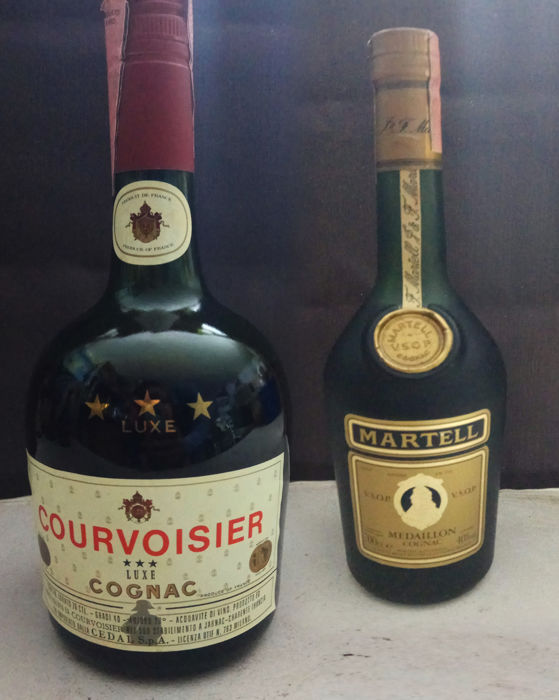 courvoisier 3 Star Cognac - 1980s Bottle size = 68cl.Martell cognac 70cl 1970