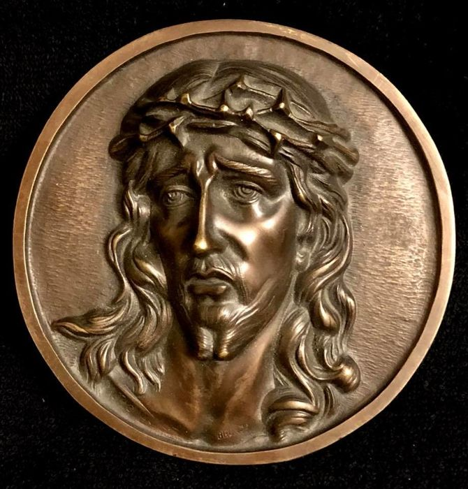 M. Thomas - bronze relief plaque with Jesus Christ wearing the Crown of Thorns - signed - ca 1900
