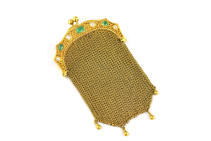 Antique chain-mail / link purse made of 18k yellow gold and set with emeralds & diamonds - late 19th century