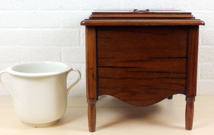 Antique mahogany toilet-chair with matching glazed pot - The Netherlands -  ca. 1870 - Antique Mahogany Toilet-chair With Matching Glazed Pot - The