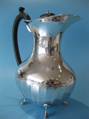 Elegant Silver Plated English teapot in Regency style - EPNS