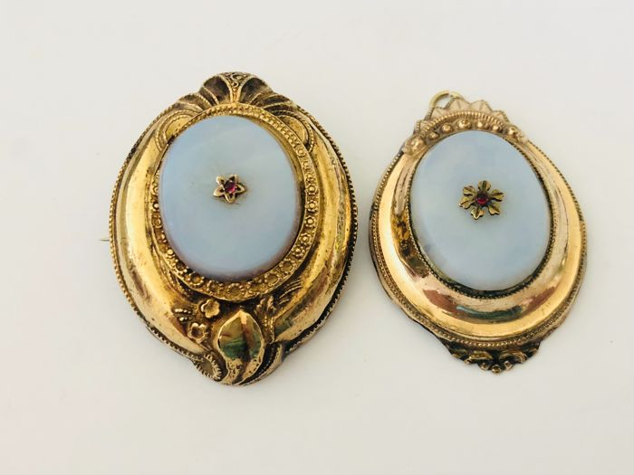 Antique Gold - Silver Brooches - Pendants in 18 kt Germany around 1890