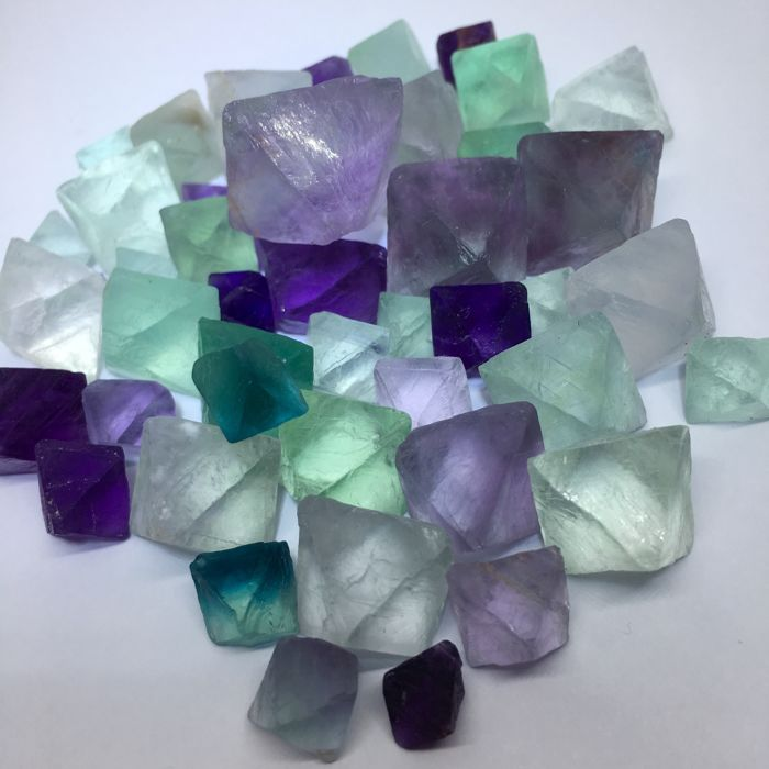 Lot of Natural beautiful Fluorite Crystal Octahedrons  -  100 gram. (44)