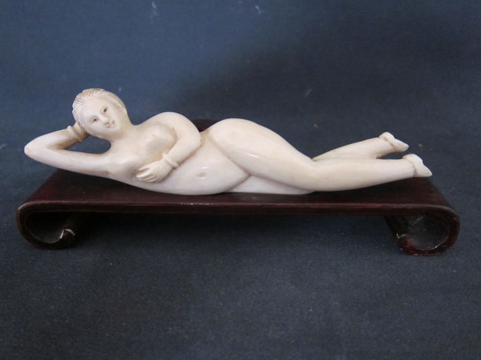 Ivory doctor's lady - China - approx. 1900/20