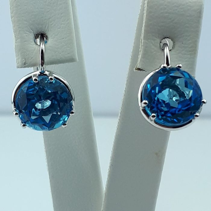 14 ct White Gold Earrings With Blue Topaz , Length :15mm