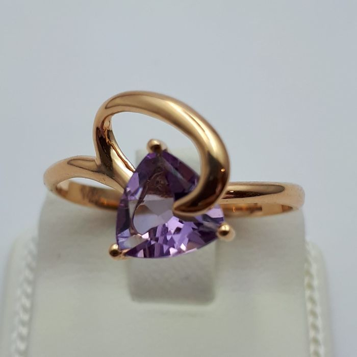 14 ct Red Gold Ring with Amethyst , Size :18mm (Free re-sizing)